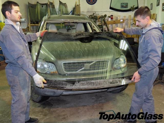 Замена лобового стекла внедорожника Volvo XC90